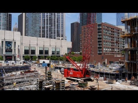 A new Streeterville high-rise puts on the best show in town