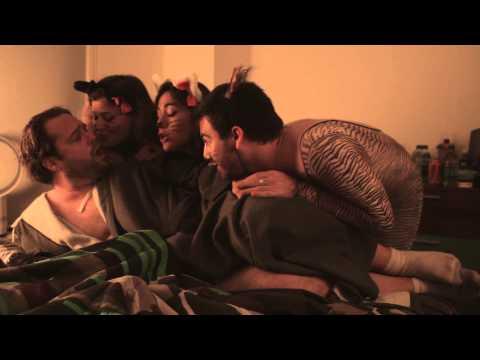 Sitters   EP 03   Tuna Fish & ... (видео)