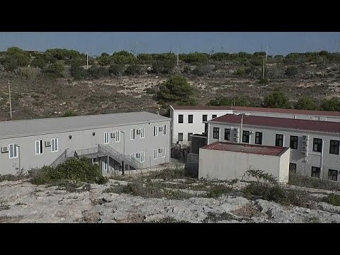 Insel Lampedusa: Das Aufnahmelager wird geräumt