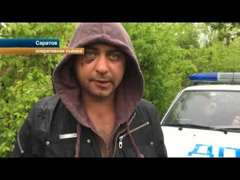 Водитель из Саратова пытался скрыться от полицейских на двух машинах - DomaVideo.Ru