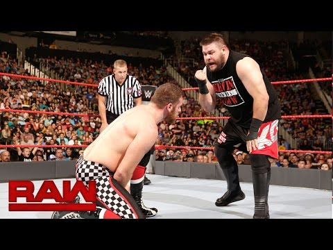 Sami Zayn vs. Kevin Owens: Raw, Sept. 5, 2016