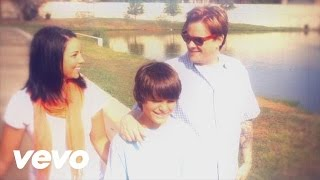 Music video by Bowling For Soup performing Turbulence. (C) 2011 Que-So Records/Brando Records