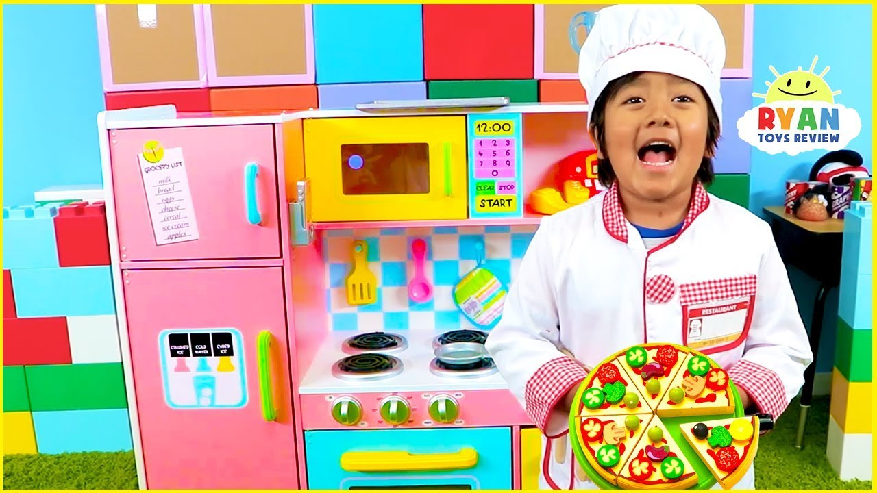 Ryan Pretend Play Cooking with Kitchen Playset and Cash Register - YouTube