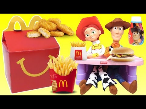 Toy Story 4 Woody and Jessie Pretend Eat a McDonald's Happy Meal