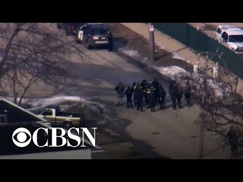 5 civilians dead, 5 officers wounded in Illinois shooting