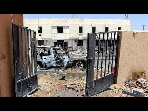 Λιβύη: Προελαύνουν οι κυβερνητικές δυνάμεις στη Σύρτη