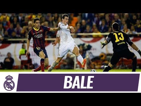 Gareth Bale%27s incredible goal against Barcelona %7C Copa del Rey Final 2014