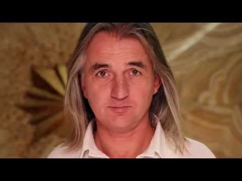 Braco's Gaze - Reaching Hearts Through Livestreaming