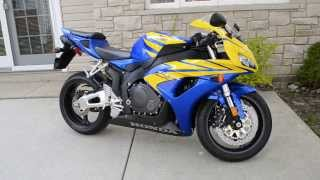 5. 2006 Honda CBR1000RR Blue and Yellow Stock Idle and Reving