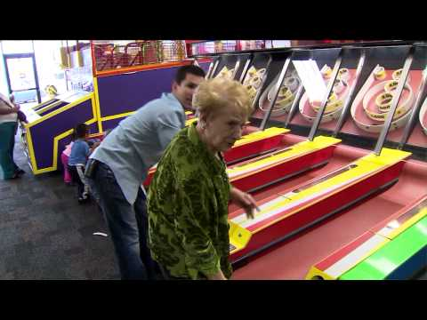Rose turns 90, celebrates at Chuck E. Cheese!!! Video