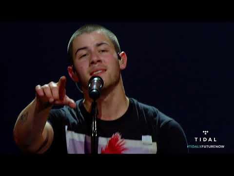 Honda Civic Tour Future  Now Philips Arena   Chains Demi Lovato & Nick Jonas