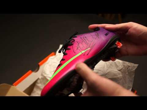 Nike_Mercurial_Video - Consigue de la mano de Soloporteros las botas Nike Mercurial Vapor IX ACC FG Fireberry firmadas por el jugador del FC Barcelona, Pedro. Las botas se sorterar...