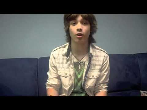 Leo Howard's Dorkiest Moment