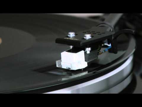 Mannheim Steamroller - Deck The Halls (1984 Version)