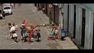 image of Vem meu amor, Lazaro Ramos, cena do filme opaio,