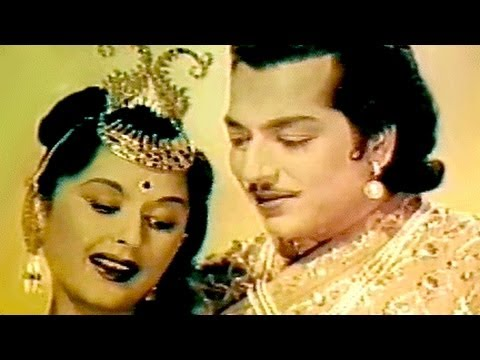 Video Kaha Le Chale Ho - Lata Mangeshkar, Bina Rai, Pradeep Kumar, Durgesh Nandini Song download in MP3, 3GP, MP4, WEBM, AVI, FLV January 2017