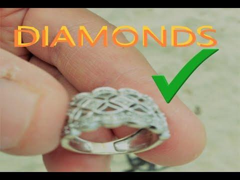 i found SUPER BIG DIAMOND RING metal detecting