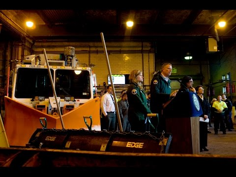 special - Mayor de Blasio Delivers Special Weather Update DSNY Manhattan 2 Garage 2 Bloomfield Street New York, NY 10014 January 25, 2015.