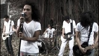 Download lagu Slank Kuil Cinta Mp3