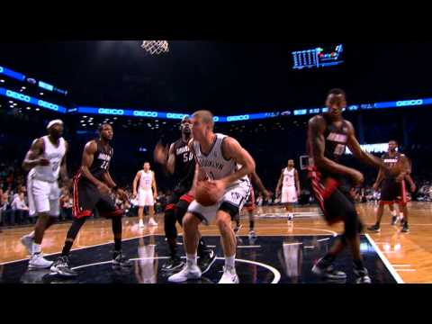Video: Eric Griffin Jumps Over Mason Plumlee