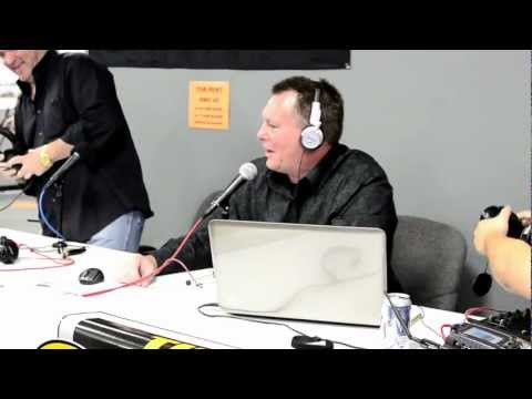 Piers Morgan at Tactical Firearms in Katy, TX – Do you really need an AR-15? – Full Version