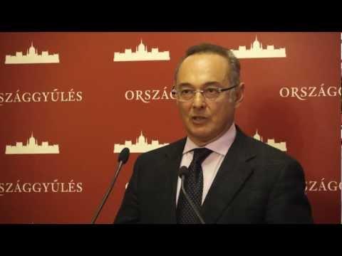 Nem derültek ki konkrétumok Varga Mihály beszámolójából