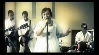 MERPATI BAND - TAK RELA.wmv