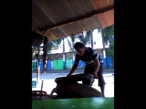 Tempel ban kolam.jln bhakti 1-2 (mas jowo) edi kunjeng-gubug. (видео)