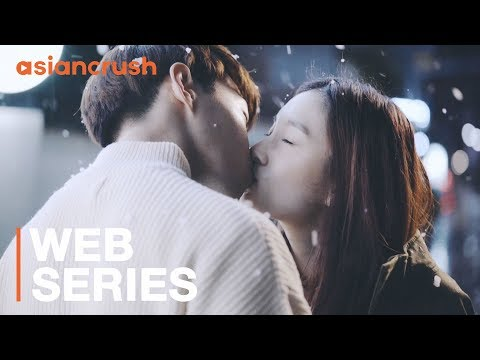 How these couples fell in love, through each of their eyes | Banana Actually - S01 E08