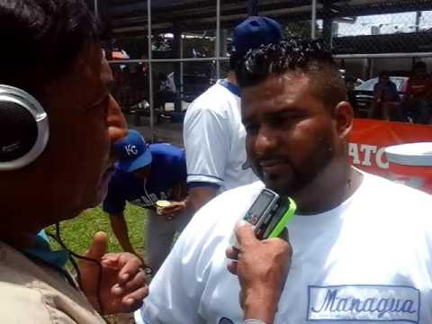 Rene chavarria con Oscar Mendoza y Vicente padilla. Campo Enel Managua Nicaaragua.