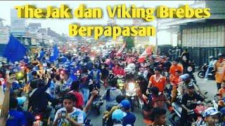 Download Video Merinding!! ketika rombongan The Jak ketemu rombongan Viking MP3 3GP MP4