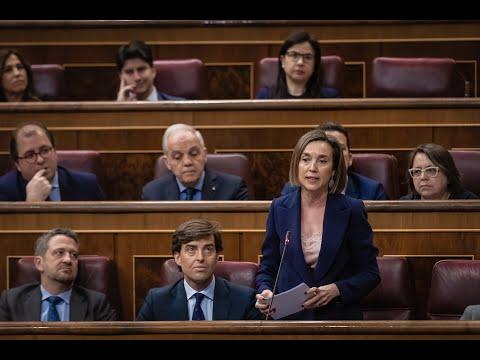 Cuca Gamarra en el Congreso de los Diputados durante la Sesión de Control al Gobierno