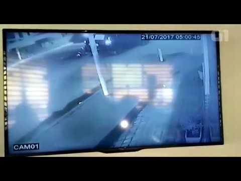 Imagens Sexta-feira - Imagens de câmeras de segurança mostram momento em que PM é morto em Nova Iguaçu