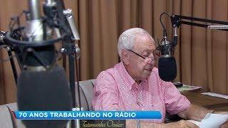Locutor está há 70 anos no ar em rádio de Santa Cruz do Rio Pardo