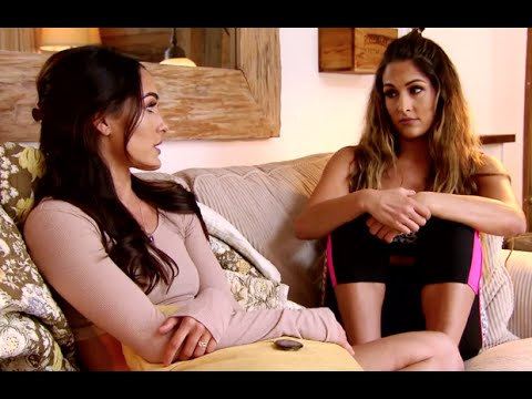 Total Divas Season 5, Episode 5 Clip: Brie tells Nikki to deal with her injury
