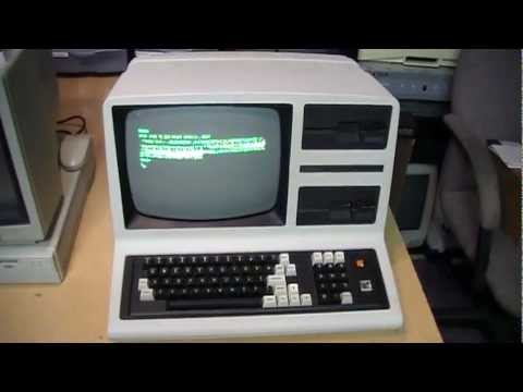 Tandy TRS-80 Model 4D computer overview & software