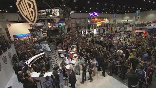Fans mob the Game of Thrones cast for autographs at Comic-Con in San Diego as the seventh season gets under way. Report by Sarah Duffy.
