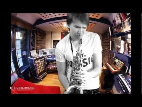 Андрей Гризз-лее  эта музыка саксофон (Константин Когут)