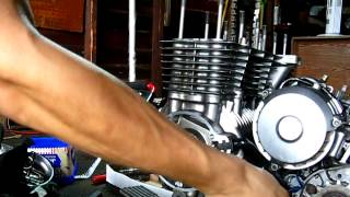 5. Turning Honda Nighthawk 750 engine by hand