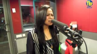 Nadia menyanyikan lagu hit nya 'Salam Untuk Kekasih' secara live di Carta Hits Gegar Minggu ini. Nak lihat foto-foto mereka di studio, sila ke Facebook THR ...