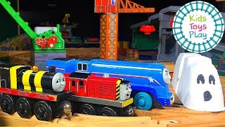 Video Thomas the Engine Scary Halloween Compilation | Railway Ghost Story for Kids MP3, 3GP, MP4, WEBM, AVI, FLV Oktober 2018