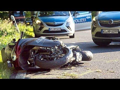 B 236: Drei Verletzte bei schwerem Kradunfall