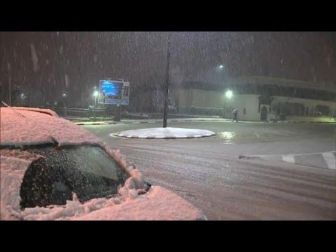Schnee in Marokko blockiert 5.000 km Straßen
