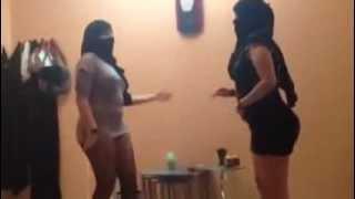 رقص بنات سعوديات في حفلة مسيار