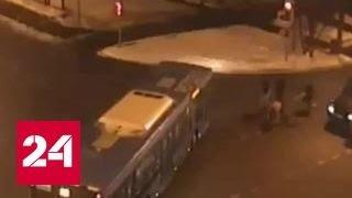 В Москве ищут водителя внедорожника, сбившего двух детей