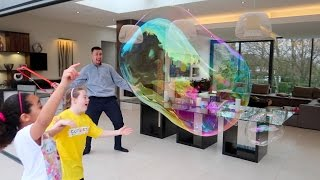 DIY Super Giant Crazy Bubbles In Our House - Bubble Thing - Famtastic