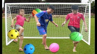 ABCkidTV Misa with Balls for Children, Toddlers, and Babies! Colours for Kids with Soccers Balls