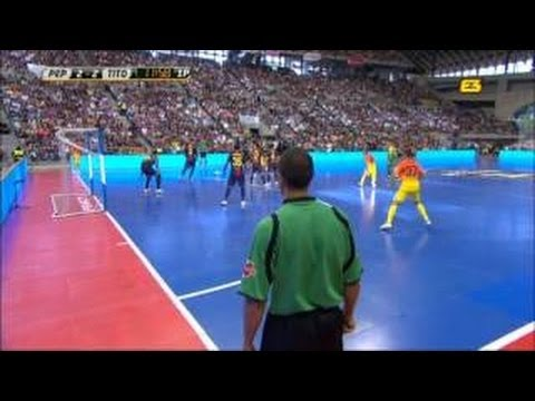 pep_guardiola - Pep Guardiola vs Tito Vilanova barça football indoor.