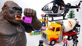 Video King Kong Loves Chocolate~! Playmobil Copter On The Way - ToyMart TV MP3, 3GP, MP4, WEBM, AVI, FLV Juli 2018