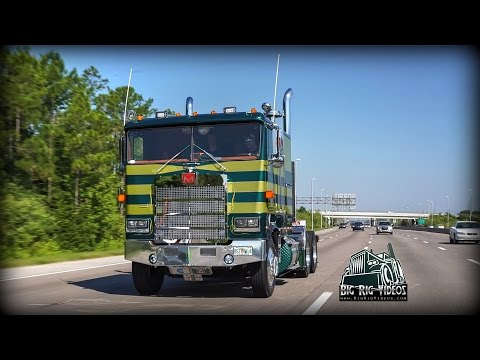 Download Video Wichtner's 1982 Marmon 110P - Rolling CB Interview™